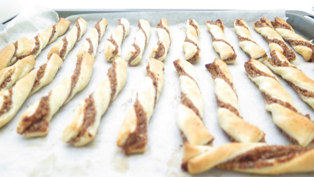 Nussstangerl - Blätterteig gefüllt mit Nuss