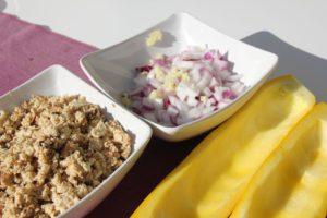Gefüllte Zucchini mit Tofu